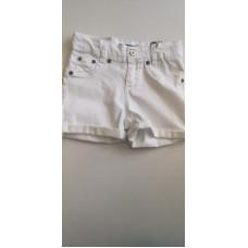 kurze weiße Jeanhose