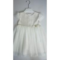 weißes Kleid mit Tüll